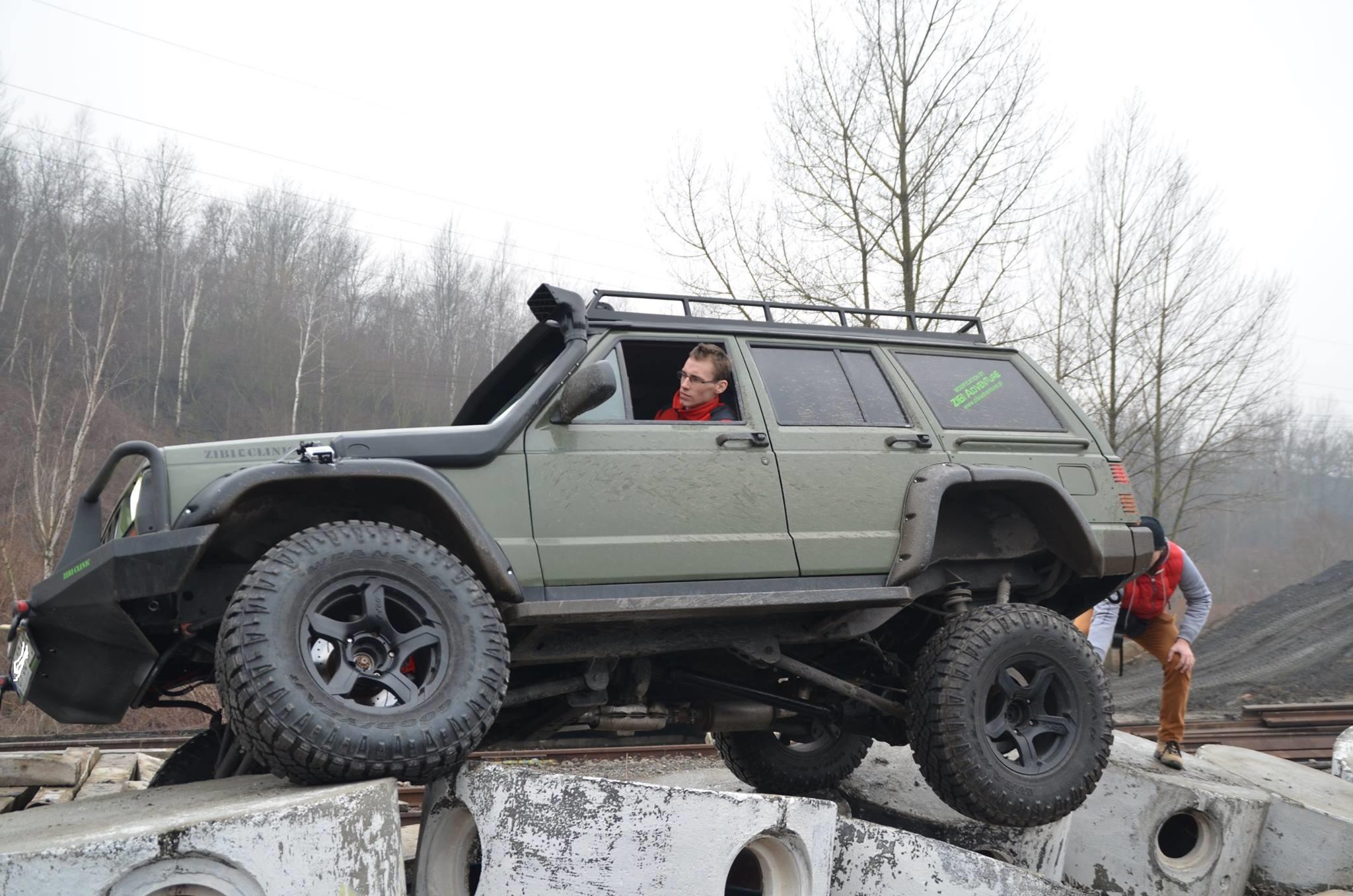 modyfikacje offroad 4x4 jeep modyfikacje zawieszenia wynajem samochod w terenowych. Black Bedroom Furniture Sets. Home Design Ideas